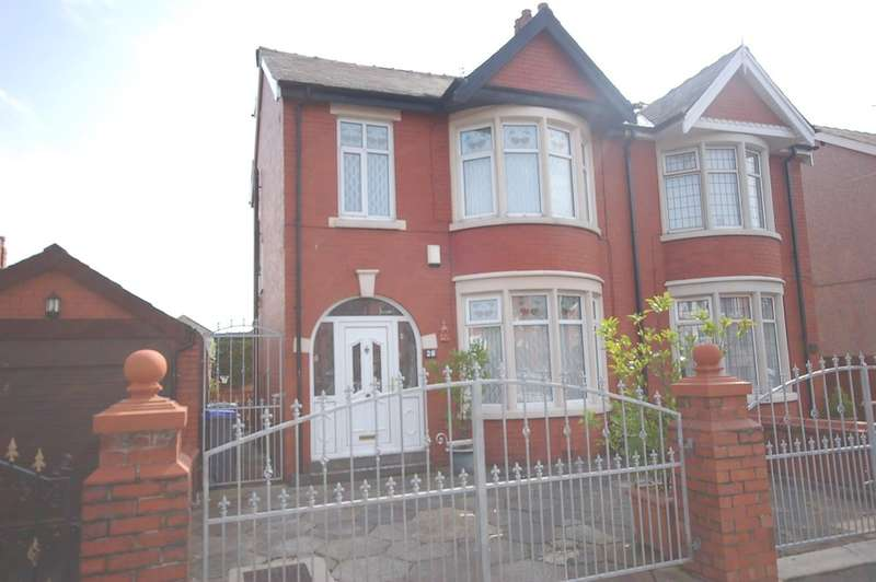 4 Bedrooms Semi Detached House for sale in Honister Avenue, Blackpool