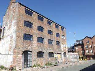 2 Bedrooms Flat for sale in Roman Gate, Commonhall Street, Chester, Cheshire, CH1
