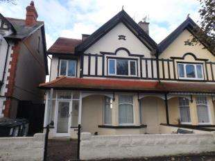 2 Bedrooms Flat for sale in Great Ormes Road, Llandudno, Conwy, LL30