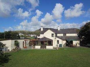 4 Bedrooms Detached House for sale in Morfa Bychan, Porthmadog, Gwynedd, LL49