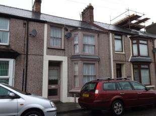 3 Bedrooms Terraced House for sale in East Avenue, Porthmadog, Gwynedd, LL49