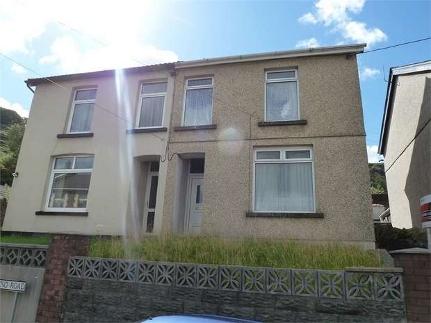 2 Bedrooms Semi Detached House for sale in Llanwonno Road, Mountain Ash, Mid Glamorgan