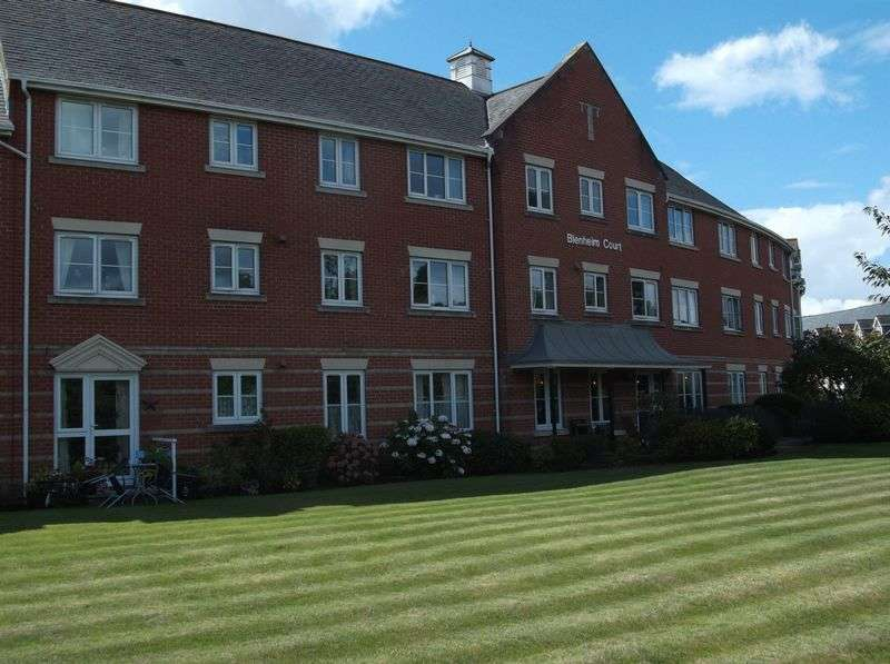 1 Bedroom Flat for sale in Blenheim Court, Regency Crescent, Christchurch: NO CHAIN one bed first floor retirement apartment