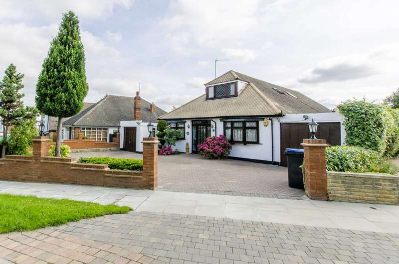5 Bedrooms Bungalow for sale in Ash Ride, Crews Hill, EN2