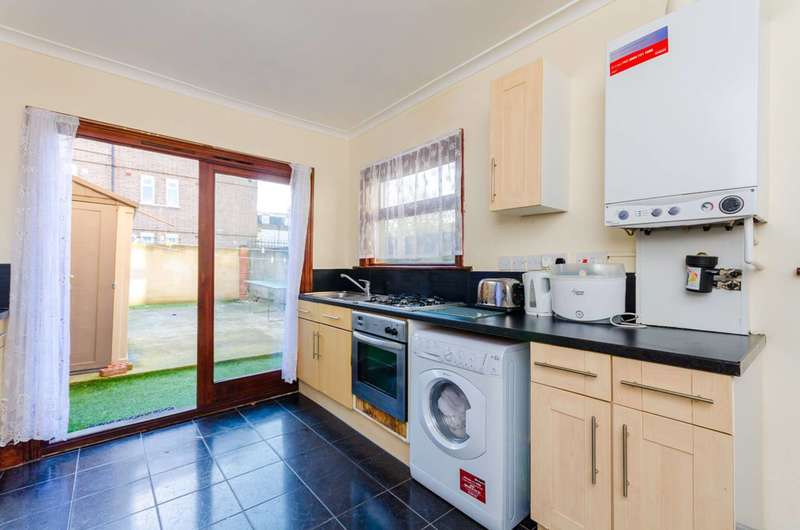4 Bedrooms House for sale in Skelton Road, Forest Gate, E7