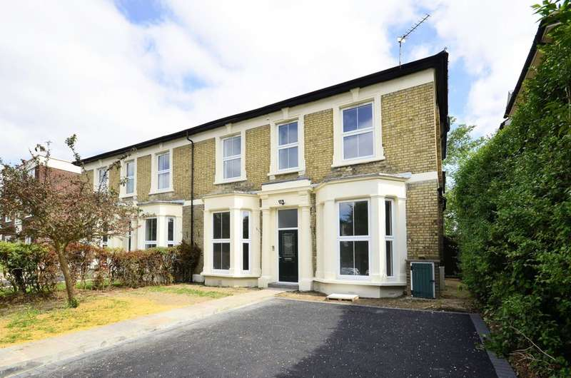 5 Bedrooms Semi Detached House for sale in Alexandra Grove, North Finchley, N12
