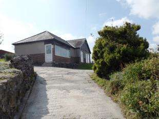 3 Bedrooms Bungalow for sale in Grinlow Road, Harpur Hill, Buxton, Derbyshire