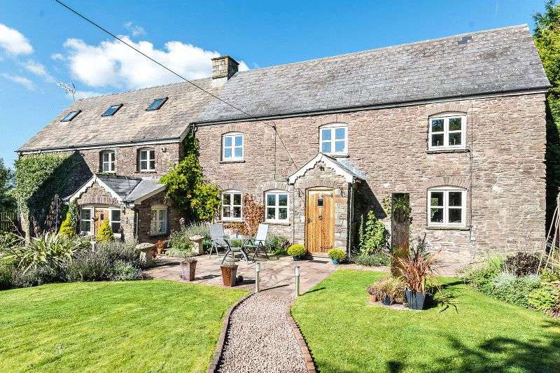 5 Bedrooms Detached House for sale in Llantilio Pertholey, Abergavenny