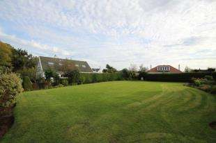 House for sale in Kirkland Park, Strathaven, South Lanarkshire