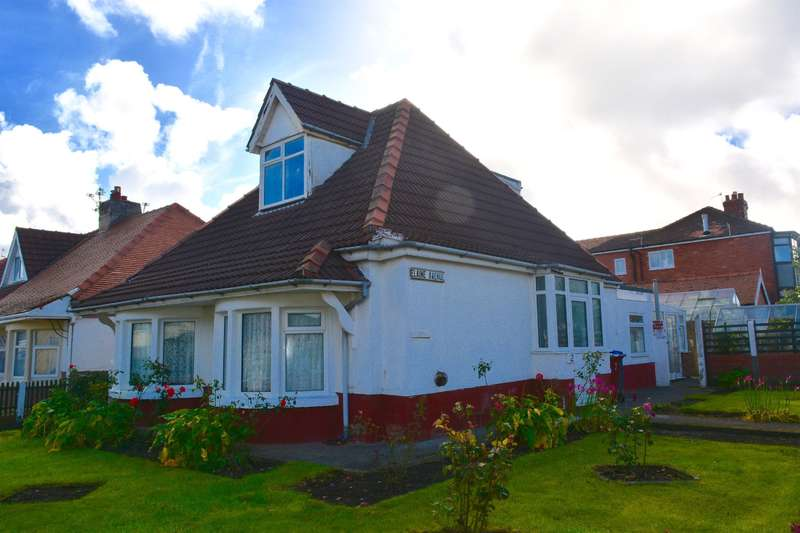 4 Bedrooms Detached House for sale in Elaine Avenue, Marton, Blackpool, FY4 4LD