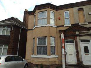 5 Bedrooms Semi Detached House for sale in Darlaston Road, Walsall, West Midlands