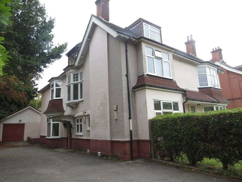 5 Bedrooms Flat for rent in Portchester Road, Bournemouth