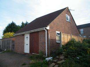 2 Bedrooms Bungalow for sale in Bishopthorpe Lane, Westbury On Trym, Bristol