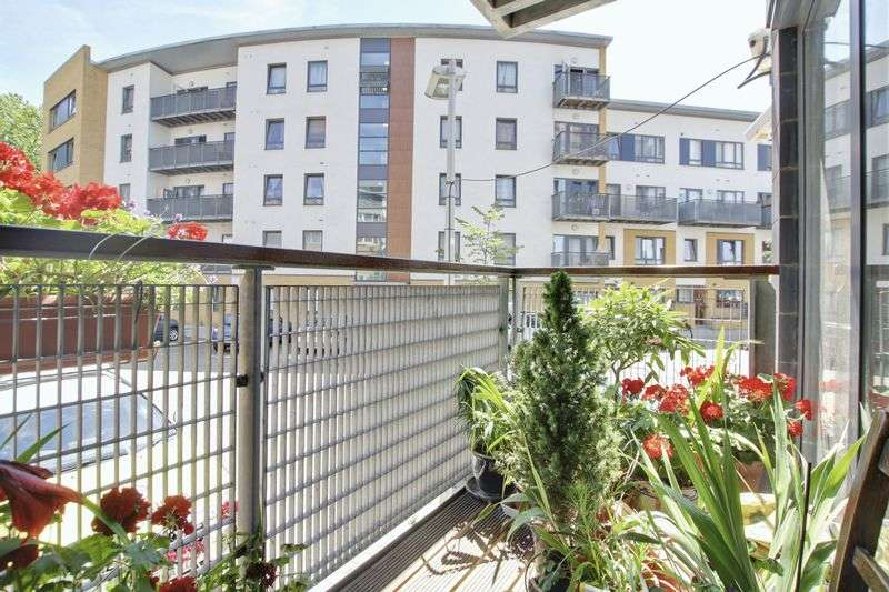 2 Bedrooms Flat for sale in Norman Road, Greenwich, SE10
