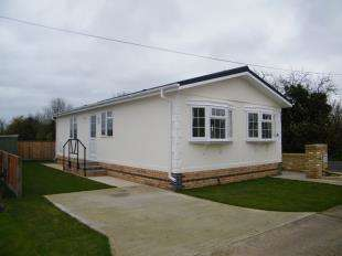 2 Bedrooms Bungalow for sale in Longstanton, Cambridge, Cambridgeshire