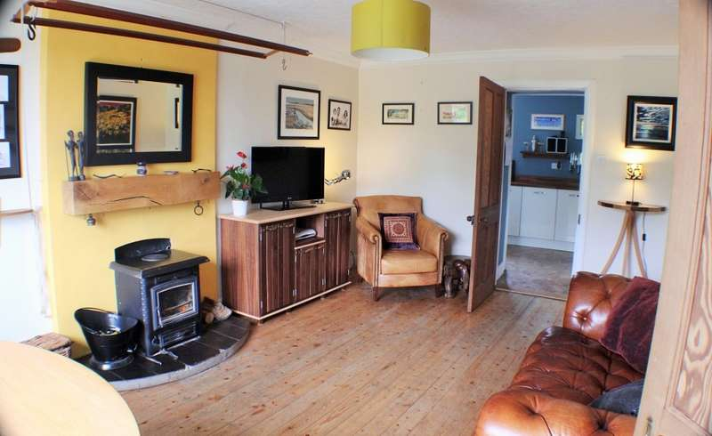 2 Bedrooms Cottage House for sale in Eskdalemuir, Langholm, Dumfries and Galloway, DG13