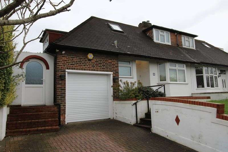 3 Bedrooms Bungalow for sale in Downsview Road, London SE19
