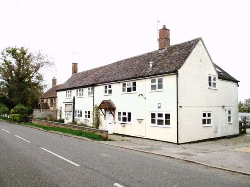 Property for sale in Stratford Road, Warwick