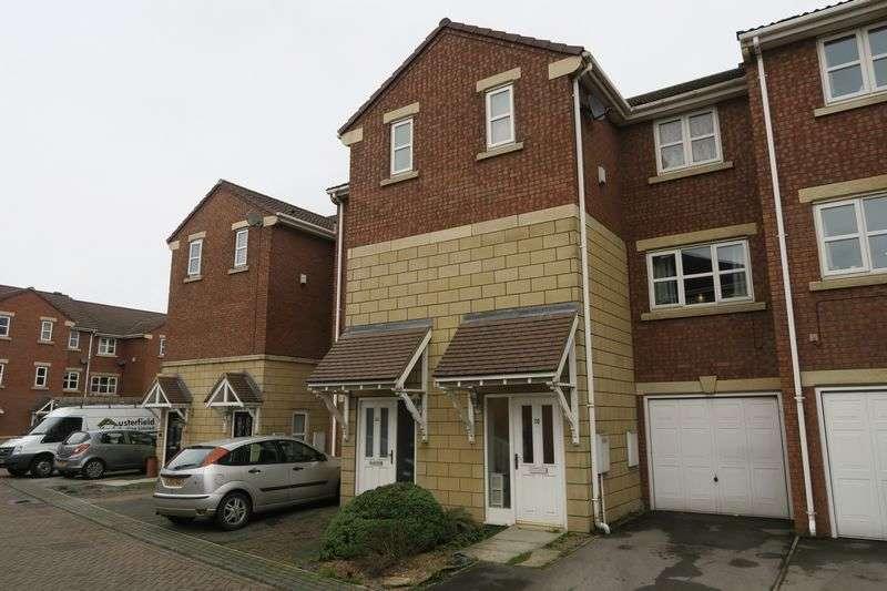 4 Bedrooms House for sale in Meadowbrook Court, Morley, Leeds