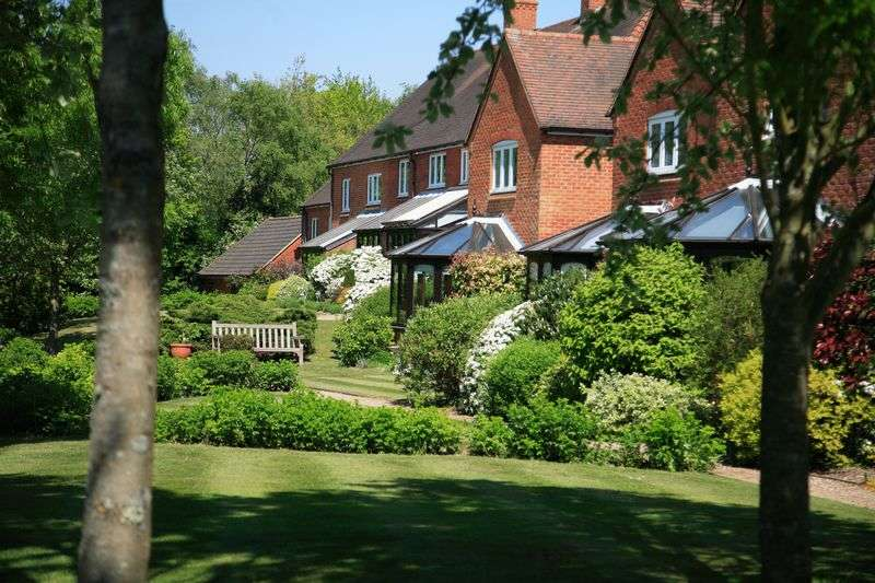 2 Bedrooms Cottage House for sale in Berehurst, Alton, Hampshire