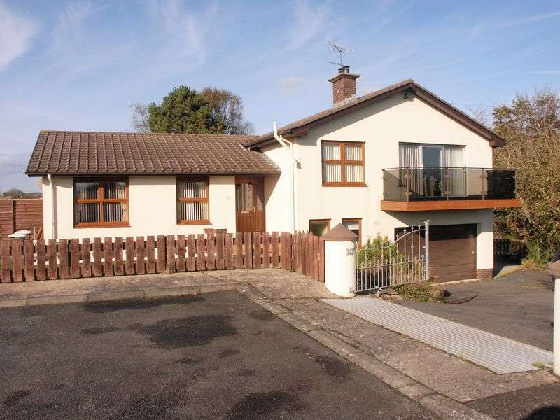 4 Bedrooms Detached House for sale in Detached Split Level Bungalow