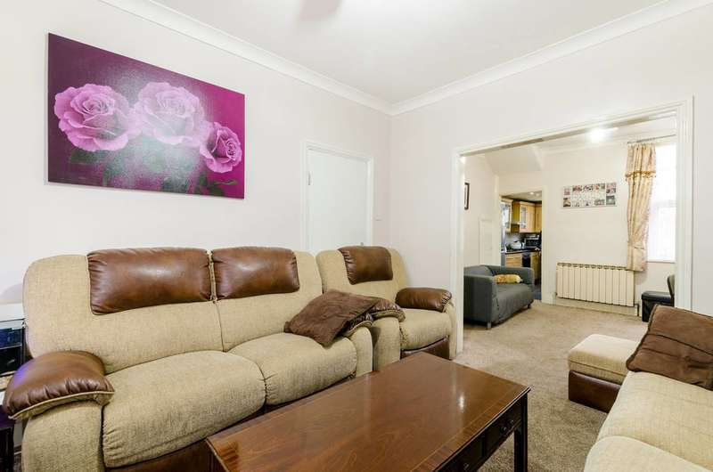 5 Bedrooms Terraced House for sale in Gosport Road, Walthamstow, E17