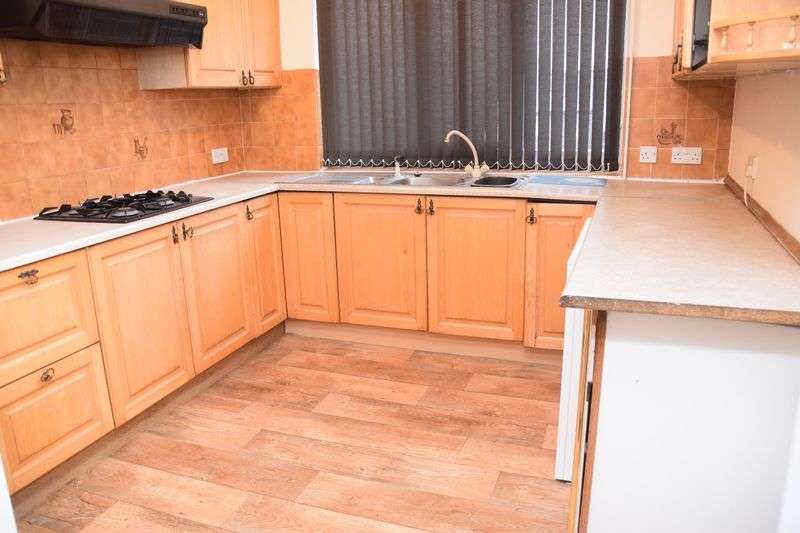 4 Bedrooms Flat for rent in 4 Large Bedrooms In Selly Oak Only 85PPPW Ideal for University / QE Hospital