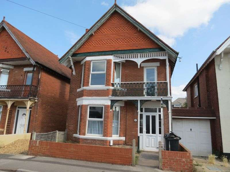 6 Bedrooms Detached House for rent in Markham Road, Bournemouth