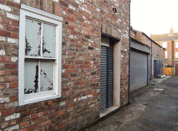 Commercial Property for sale in LOCKUP SHOP with OFFICE, FILEY