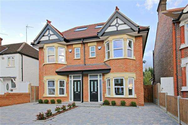 4 Bedrooms Semi Detached House for sale in Birkbeck Road, Mill Hill