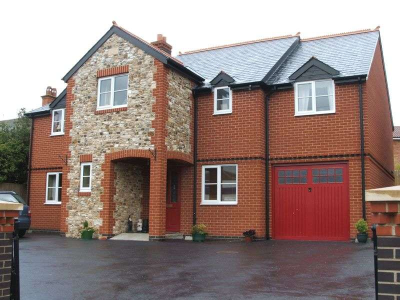 4 Bedrooms Detached House for sale in Station Road, Hemyock