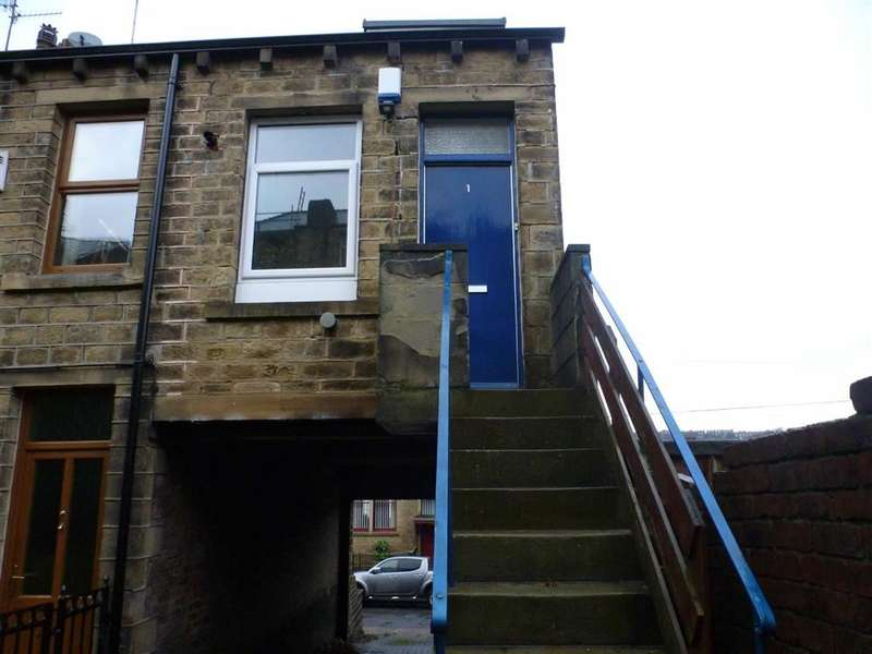 1 Bedroom Property for sale in Radcliffe Road, Milnsbridge, Huddersfield