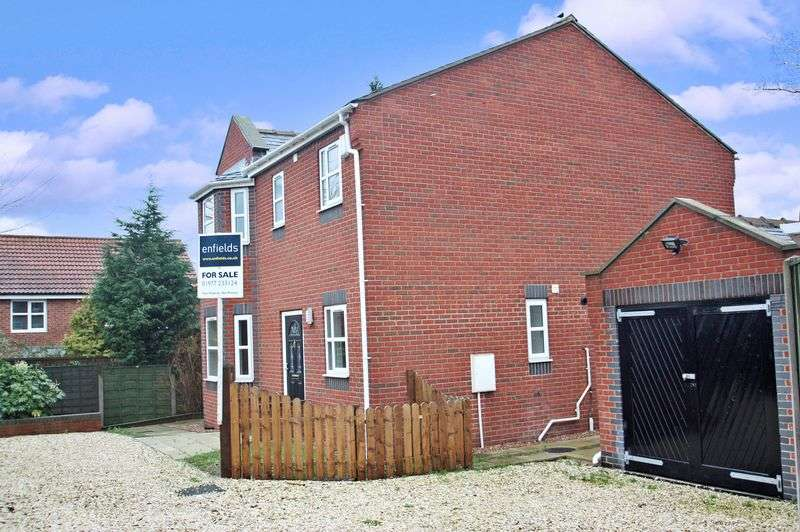 4 Bedrooms Detached House for sale in Lumley Street, Castleford