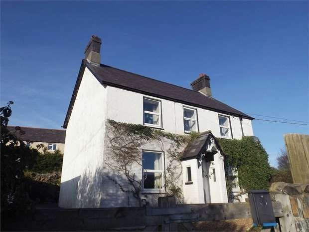 4 Bedrooms Detached House for sale in Tanrhiw Road, Tregarth, Bangor, Gwynedd