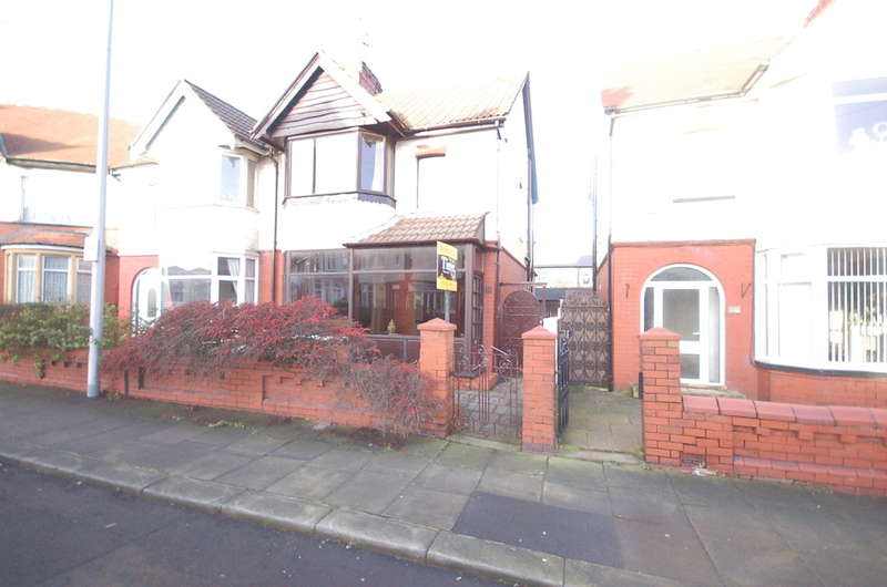3 Bedrooms Semi Detached House for sale in Breck Road, Blackpool