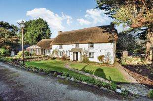 3 Bedrooms Detached House for sale in Newquay, Cornwall