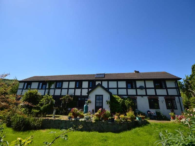 4 Bedrooms Detached House for sale in Moel-Y-Garth, Welshpool, SY21