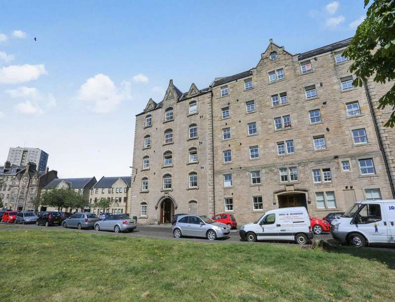 2 Bedrooms Flat for sale in Johns Place, EDINBURGH, EH6