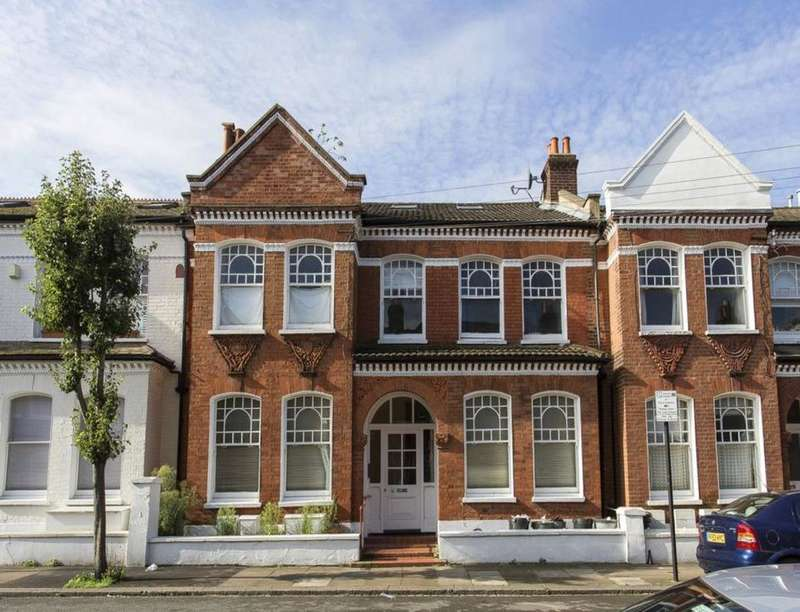 3 Bedrooms Flat for sale in Dafforne Road, London, SW17