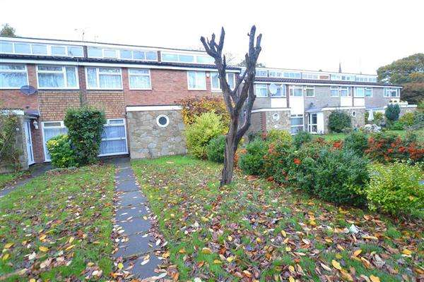 3 Bedrooms Terraced House for sale in Moreton Avenue, Isleworth