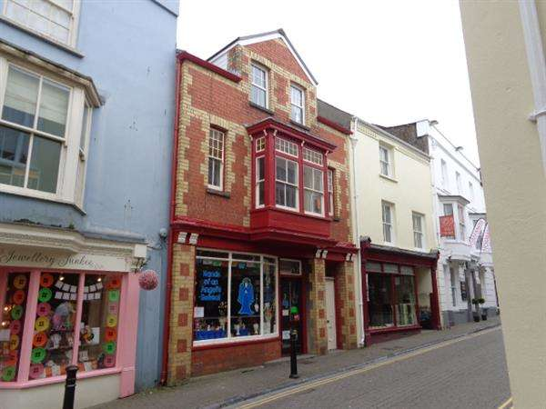 1 Bedroom Commercial Property for sale in Llandrindod House, Upper Frog Street, Tenby