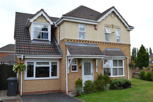 4 Bedrooms Detached House for sale in Constantine Way, Bilston