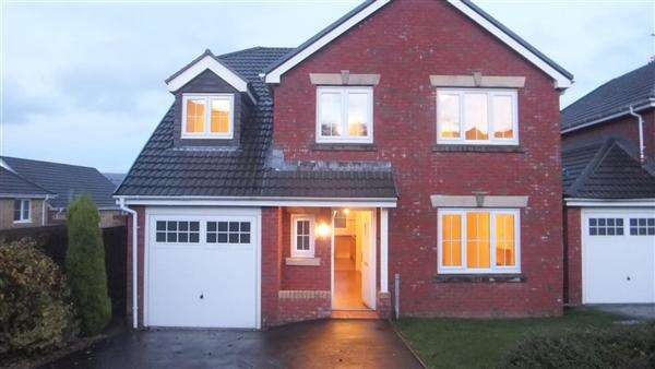 5 Bedrooms Detached House for sale in Parc Gellifaelog, Tonypandy