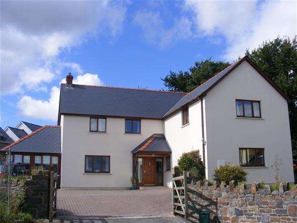 5 Bedrooms Detached House for sale in Leven Close, Pill Road, Hook, Haverfordwest