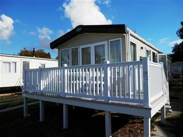 2 Bedrooms Park Home Mobile Home for sale in Lytchett Bay View, Rockley Park, Poole