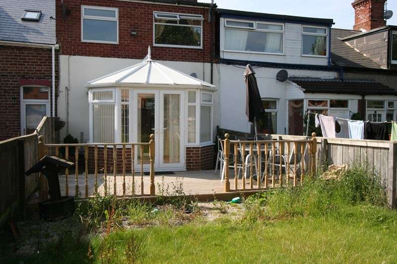 3 Bedrooms Terraced House for sale in Tunstall Terrace, Silksworth, Sunderland