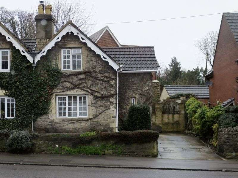 2 Bedrooms Semi Detached House for sale in Old Town