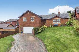 4 Bedrooms Detached House for sale in Honeysuckle Park, Colwyn Bay, Conwy, LL29