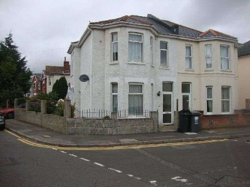 5 Bedrooms Semi Detached House for rent in 5 bedroom student property in Charminster