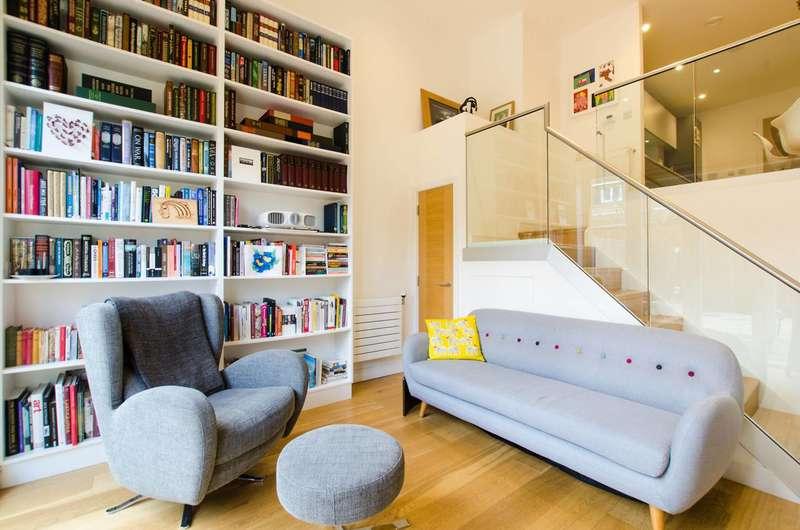 2 Bedrooms Flat for sale in Gideon Road, Shaftesbury Estate, SW11